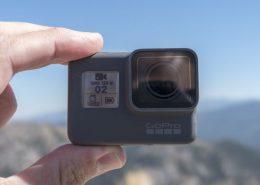 GoPro 5 Black pirštuose